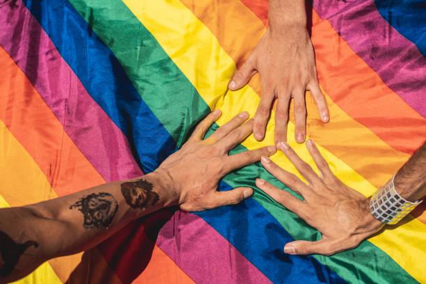 Il Coordinamento Nazionale dei Docenti della disciplina dei Diritti Umani, in occasione della Giornata internazionale contro l'omofobia, la transfobia e la bifobia,intende richiamare ulteriormente l'attenzione dei docenti e degli educatori sull'importanza della difesa della dignità umana nella sua globalità a prescindere dall'orientamento sessuale